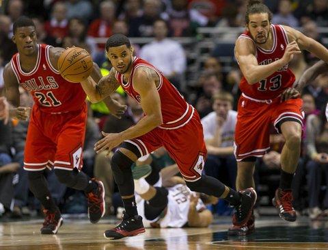 Jimmy Butler, D.J. Augustin e Joakim Noah têm sido alguns dos destaques dos Bulls nesta temporada / Fonte: Chicagotribune.com