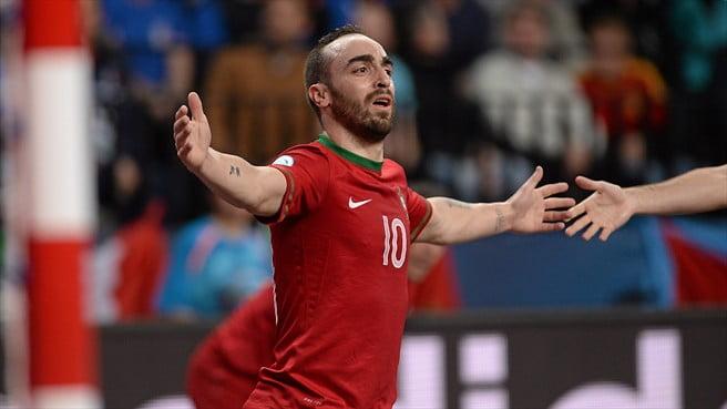 O grande destaque lusitano, o inevitável Ricardinho Fonte: Uefa.com