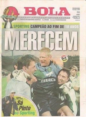 """""""Barbosa, com Schmeichel e Rui Jorge, festeja em Vidal Pinheiro o tão ambicionado título de 99/00"""""""