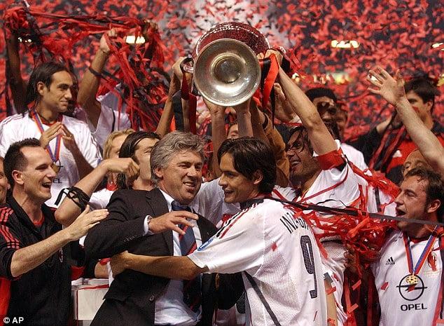 Os tempos de glória do AC Milan, actualmente, não passam de uma miragem Fonte: AP