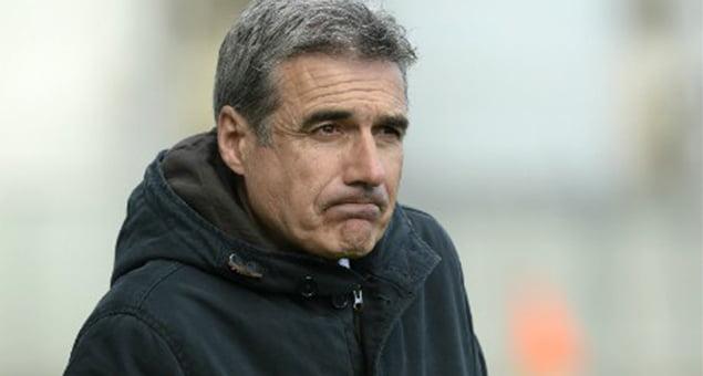 O jogo de ontem marcou a primeira derrota de Luís Castro no comando do Porto  Fonte: www.jornalacores9.net