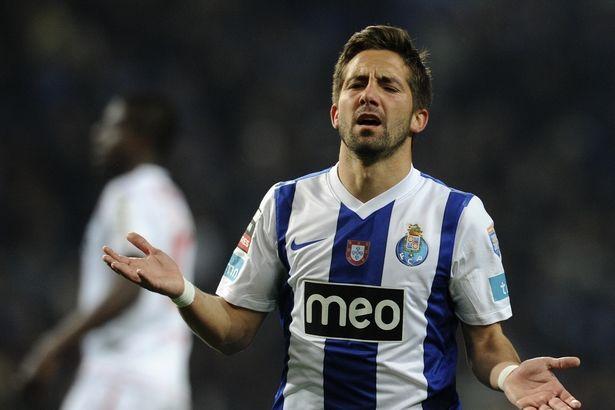 """João Moutinho era o """"coração"""" da equipa  Fonte: Mirror"""