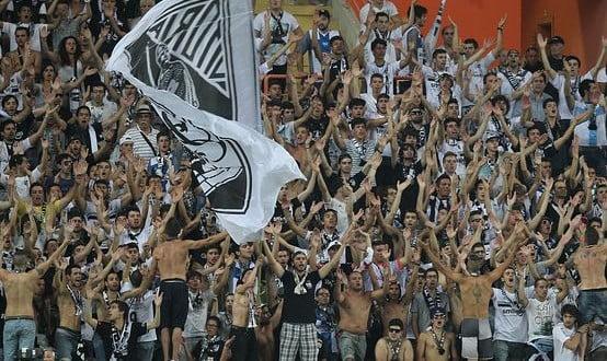 A maior força do Vitória é a sua vibrante massa adepta  Fonte: ipressjournal.pt