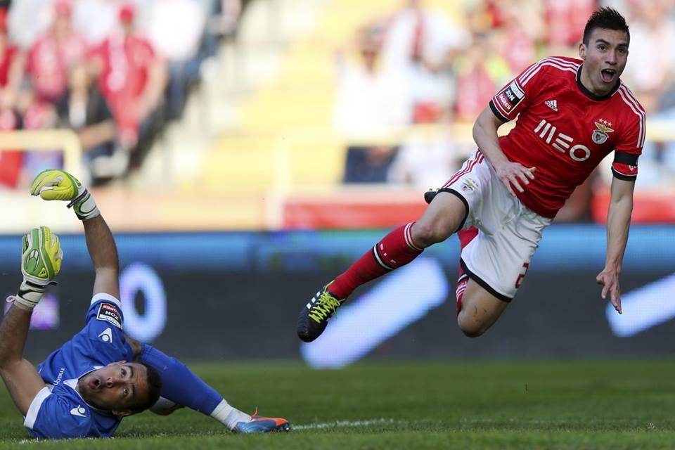 A alegria do golo do melhor jogador do campeonato 2013/14 Fonte: Facebook do Sport Lisboa e Benfica