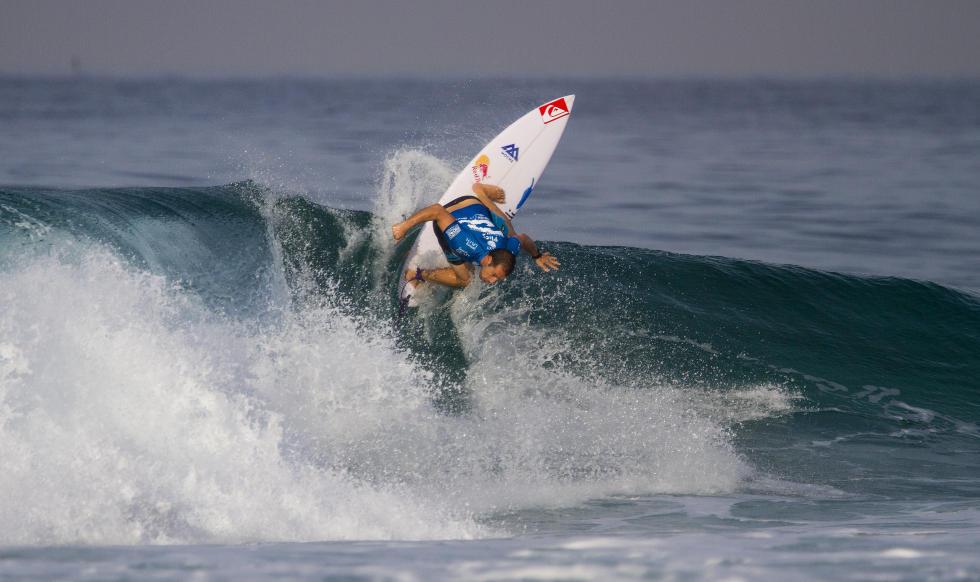 Tiago Pires a bater forte de backside. Fonte: asp.com