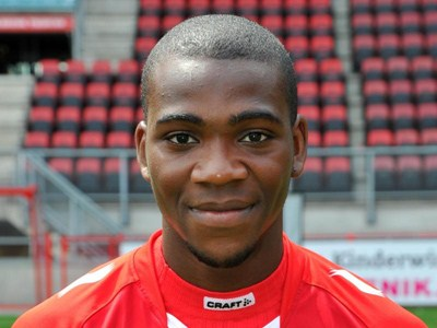 Quando estava no Twente, Ola John era considerado uma das maiores promessas do futebol holandês Fonte: Sportinveste Multimédia