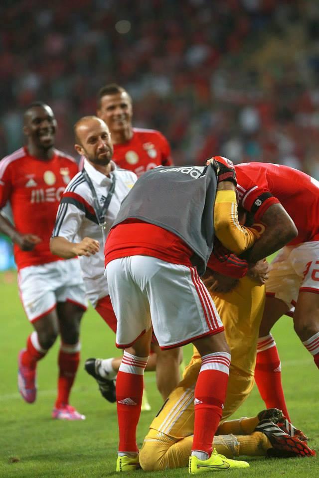Artur foi o herói mais improvável na vitória encarnada  Fonte: Página de facebook do Benfica