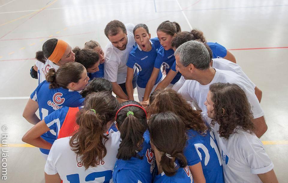 A coesão da equipa é considerada fundamental para o sucesso da mesma Fonte: Facebook do futsal feminino do AEISTécnico