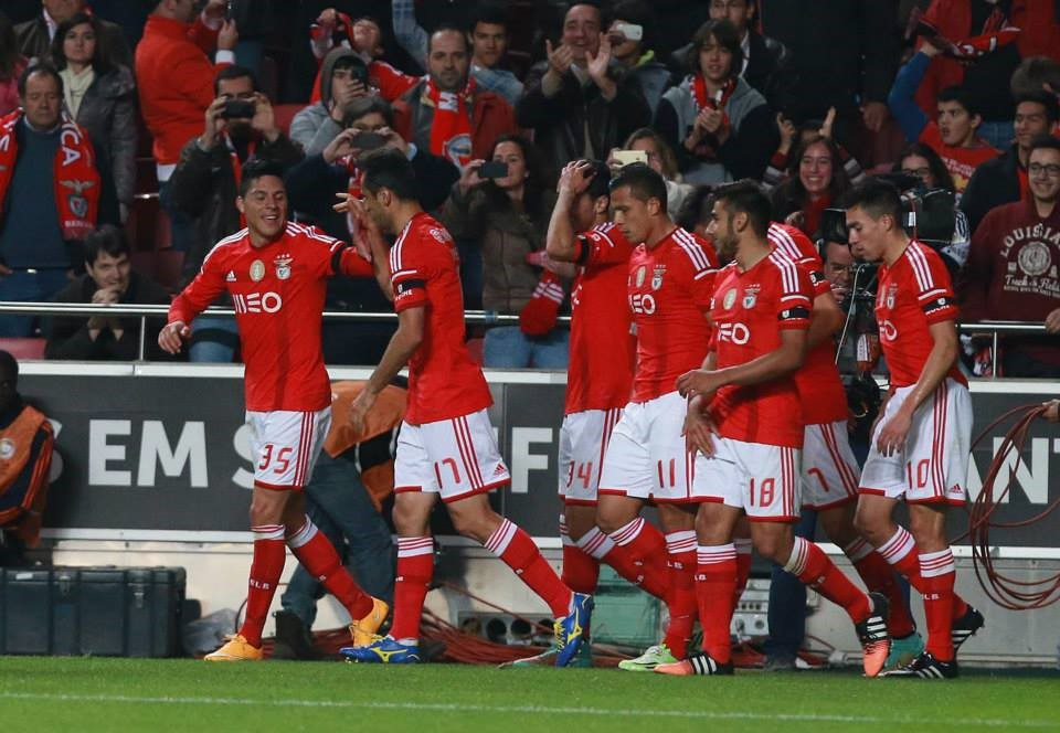 Momentos como este terão que se repetir no Estádio do Dragão; Fonte: Facebook do Sport Lisboa e Benfica