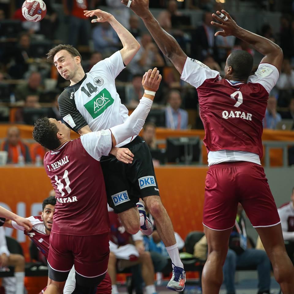 """""""A equipa alemã esbarrou muitas vezes na boa organização defensiva do Qatar Fonte: Handball 2015(Facebook oficial do Mundial)"""