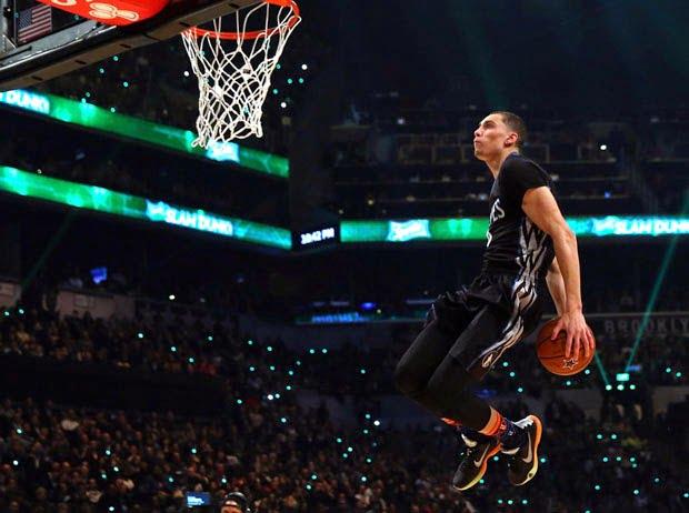 Os afundanços de Zach LaVine e a ronda final de Stephen Curry vão para o Olimpo da NBA. E só por isso já foi uma All Star Saturday Night memorável Fonte: @NBA