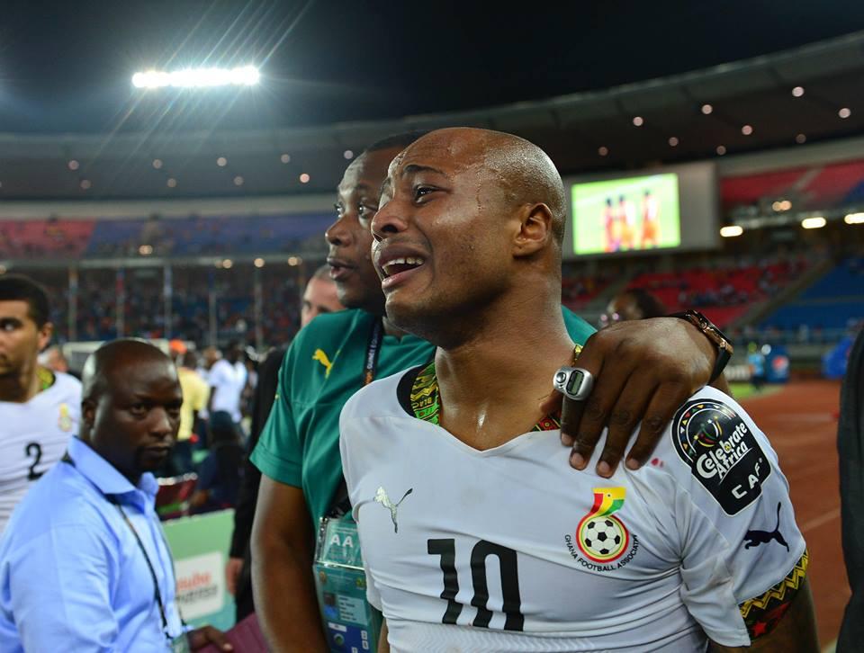 A tristeza de André Ayew depois de mais uma final perdida Fonte: Facebook da CAF