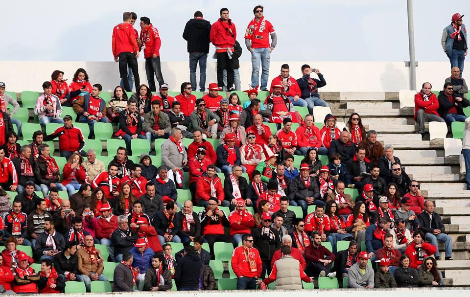 Vila do Conde foi invadida por benfiquistas Fonte: Sport Lisboa e Benfica