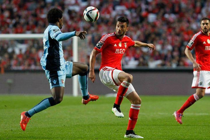 Samaris fez a sua melhor exibição frente ao SC Braga Fonte: Facebook do Sport Lisboa e Benfica