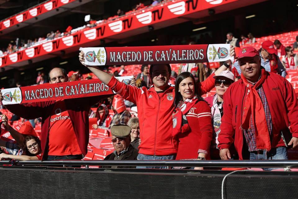 Adeptos de todo o país fazem centenas de quilómetros até à Luz Fonte: Facebook do Sport Lisboa e Benfica