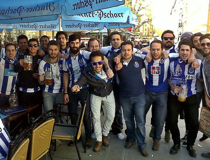 Os adeptos azuis e brancos foram à procura do sonho e encontraram um pesadelo  Fonte: Facebook do FC Porto