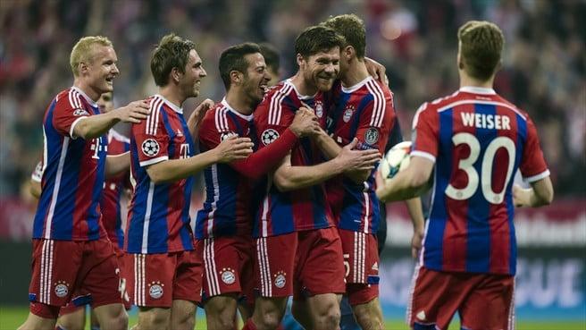 A primeira parte correu de feição aos bávaros, que em poucos minutos arrumaram a eliminatória  Fonte: UEFA
