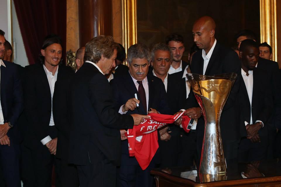 Jesus e Vieira, as duas caras de um projeto de sucesso do Benfica Fonte: Facebook do Benfica