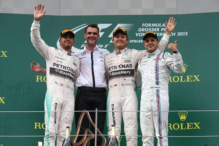 Os vencedores da corrida Fonte: Facebook Mercedes AMG Petronas