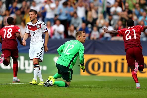 Ter Stegen protagonizou uma tarde de pesadelo, ao sofrer cinco golos Fonte: Página do Facebook 'DFB–Junioren'