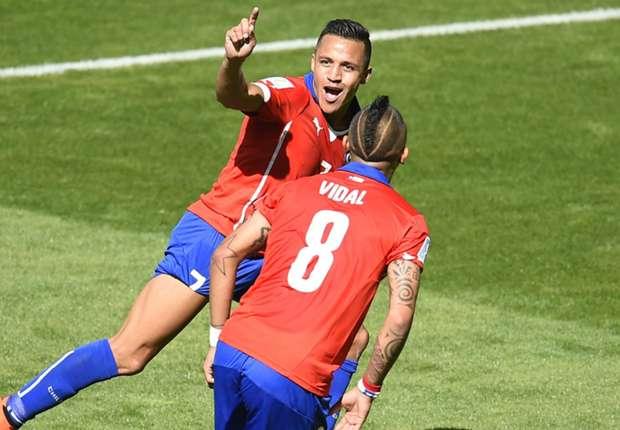 Alexis Sanchéz e Arturo Vidal - as duas maiores figuras da seleção da casa  Fonte: goal.com