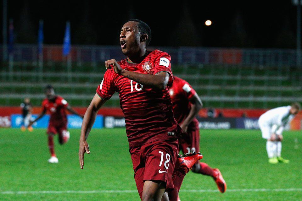 Gelson Martins festeja o golo da vitória, alcançado num remate de trivela Fonte: Facebook 'Seleções de Portugal'