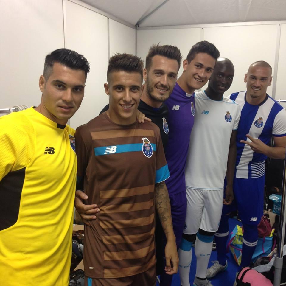 Andrés Fernandez, Gudiño e Ricardo apresentaram ontem os equipamentos - só um deles deverá ficar  Fonte: Facebook do FC Porto