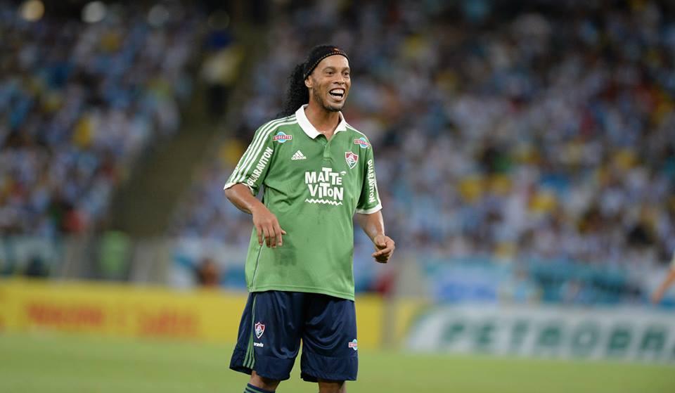 R10 tem sido muito criticado nesta nova passagem pelo Brasileirão Fonte: Facebook do Ronaldinho
