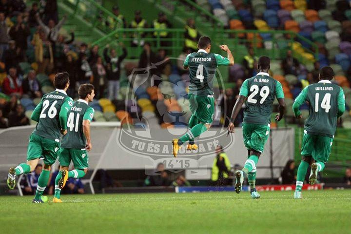 Jefferson festeja o segundo golo do Sporting, considerado o melhor do jogo Fonte: Sporting Clube de Portugal