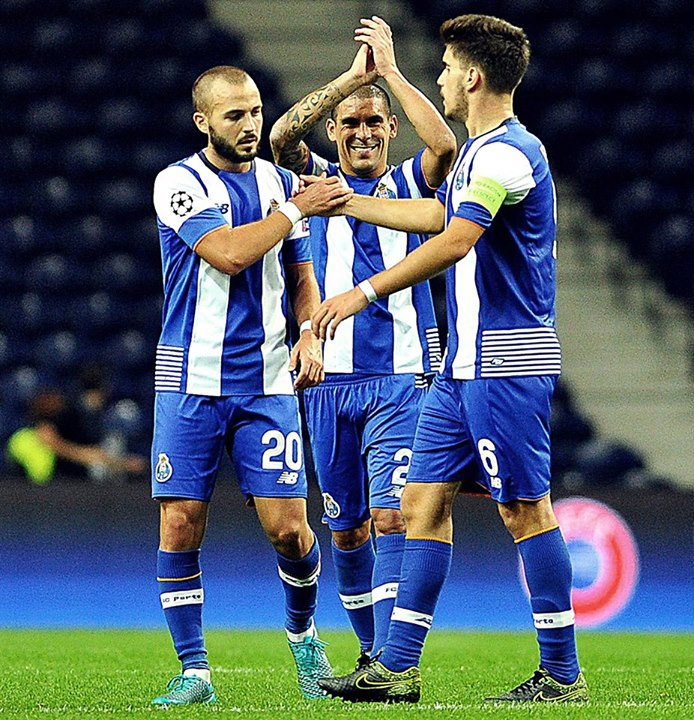 Rúben Neves é o capitão mais novo de sempre da história da Liga dos Campeões Fonte: FC Porto