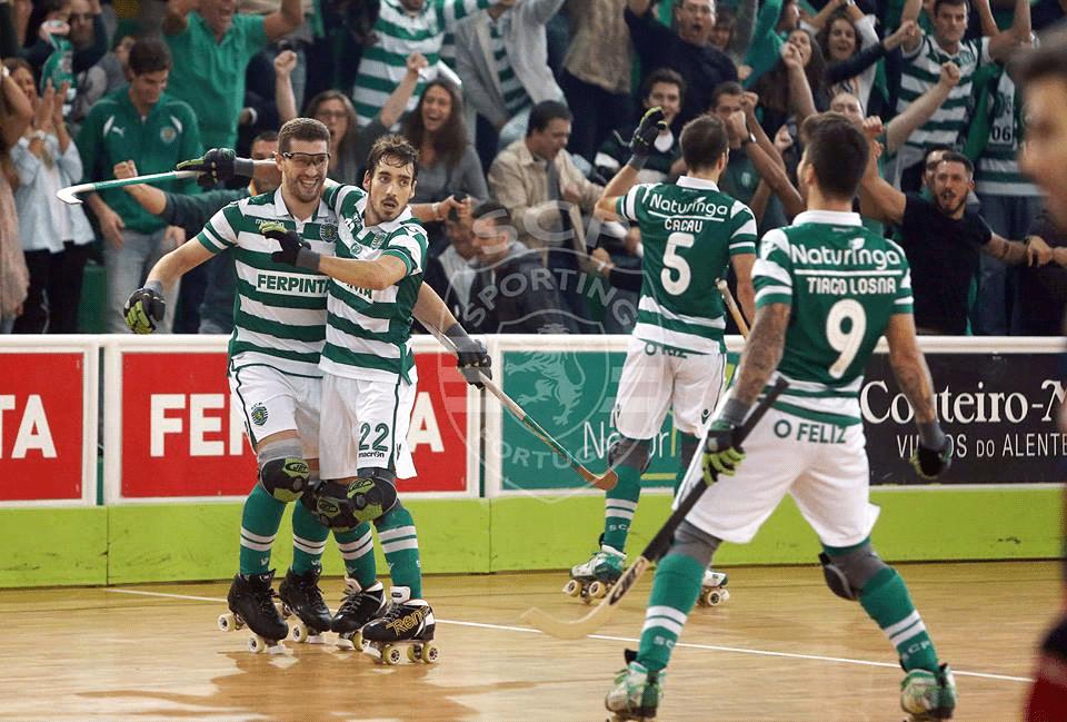 Os jogadores do Sporting comemoram mais um golo frente ao todo poderoso Barcelona. Fonte: Sporting Clube de Portugal