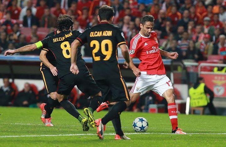 Primeiro golo de Jonas na Champions pelo Benfica Fonte: Facebook do Sport Lisboa e Benfica