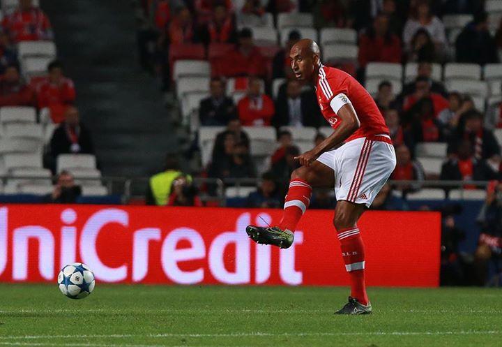 Grande exibição do capitão que culminou com o golo do triunfo Fonte: Facebook Sport Lisboa e Benfica