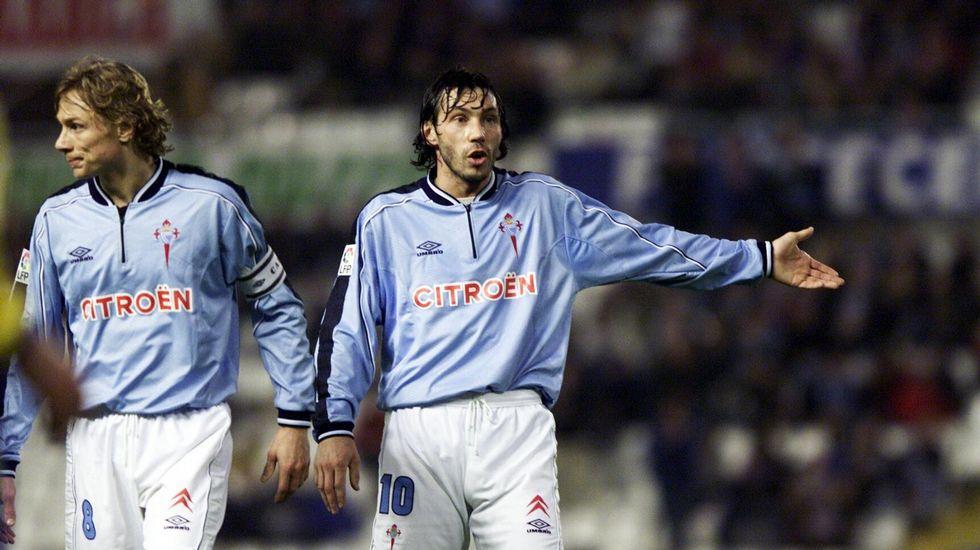 El Zar Mostovoi, o eterno número 10 do conjunto viguês, ao lado do seu compatriota Valery Karpin, também ele, um dos melhores jogadores que passou pelo Celta de Vigo nos últimos 20 anos Fonte: Laz Voz de Galicia
