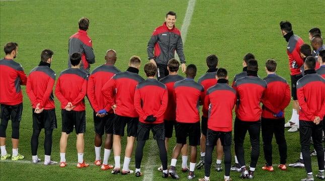 Boa disposição reinante no primeiro treino de Constantin Galca com o RCD Espanyol Fonte: El Periodico