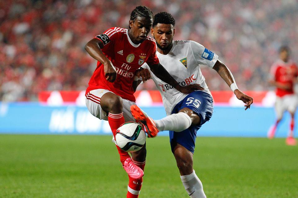Nélson Semedo é a grande novidade na convocatória para o Estoril; Fonte: Facebook do Sport Lisboa e Benfica