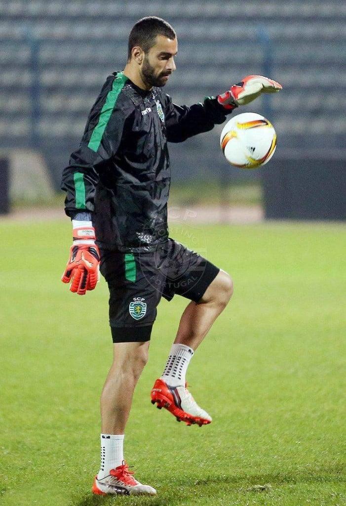 Assim como na Albânia, Patrício voltou a ser expulso na primeira parte Fonte: Sporting CP
