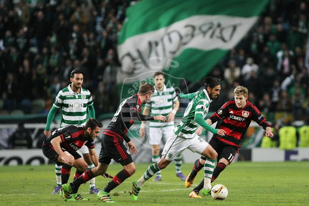 Bryan Ruiz foi um dos exemplos de quem tentou remar sozinho contra a maré alemã. Fonte: Sporting CP