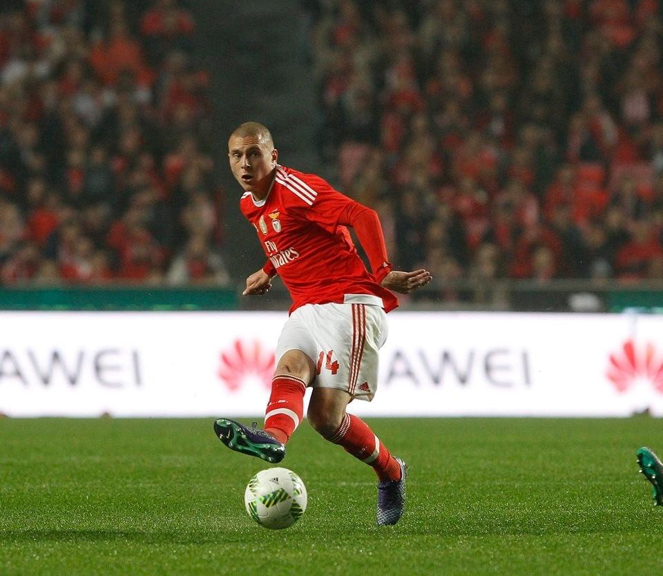 Lindelof estreou-se a marcar e deixou o Benfica com o jogo na mão; Fonte: #SLBenfica Lindelof estreou-se a marcar e deixou o Benfica com o jogo na mão; Fonte: #SLBenfica
