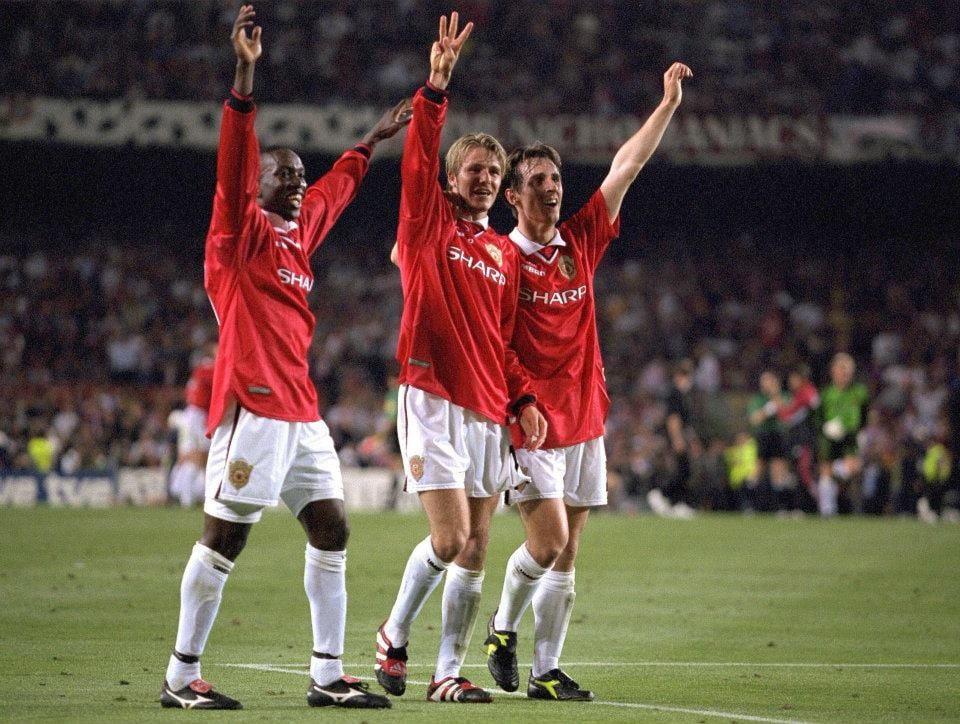 Dwight Yorke, Beckham e Neville festejam no Camp Nou, em 1999 Fonte: Manchester United FC