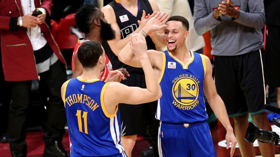 """Klay Thompso """"roubou"""" o Three Point Contest ao vencedor do ano passado, seu colega de equipa e atual MVP, Stephen Curry Fonte: espn.go.com"""