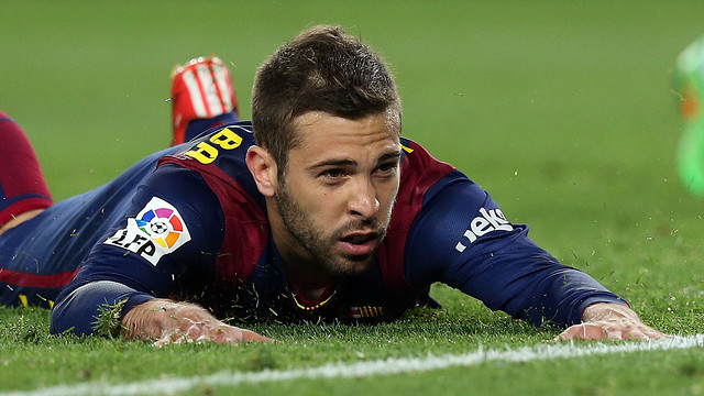 Jordi Alba no chão, será falta ou simulação? Fonte: FC Barcelona