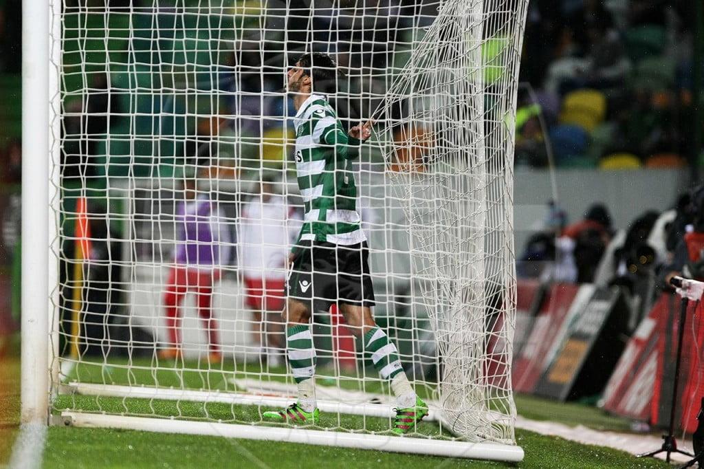 """Bryan Ruiz: os """"Gentlemens"""" não têm lugar no futebol! Jogar bem, falhar de vez em quando e assumir os erros? Isso em Alvalade é inadmissível Fonte: Sporting CP"""