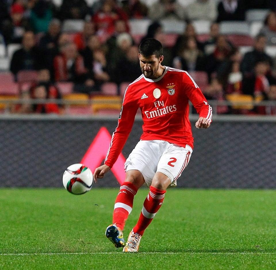 Lisandro é a novidade para a deslocação ao Bessa. Depois de uma paragem de um mês, o jogador volta a ser opção para Rui Vitória Fonte: SL Benfica