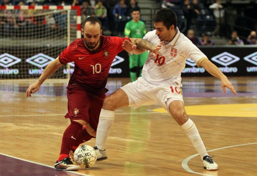 Ricardinho até parecia um jogador sérvio, pela maneira como foi aplaudido  Fonte: Seleções de Portugal
