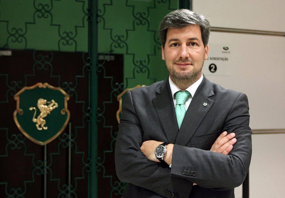 O Presidente do Sporting é bastante ativo na sua página oficial de Facebook Fonte: Sporting Clube de Portugal