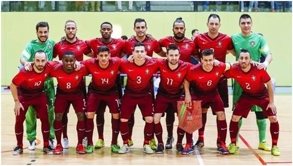 ... jogadores de futsal portugueses do século XXI. Os 14 heróis que  conquistaram o apuramento Fonte  Seleções de Portugal e8b26e1e88f51