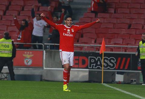Jiménez, sempre oportuno, marcou o golo que colocou o Benfica na final Fonte: #SL Benfica