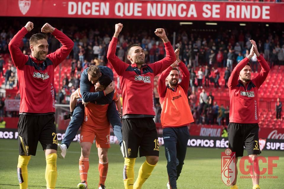 Granada festeja a manutenção, ainda antes da última jornada. Fonte: Facebook Oficial do Granada