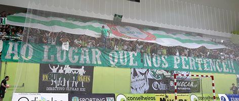 Apoio incansável vindo das bancadas, que se deve repetir na Luz, agora coberto de encarnado Fonte: Sporting CP